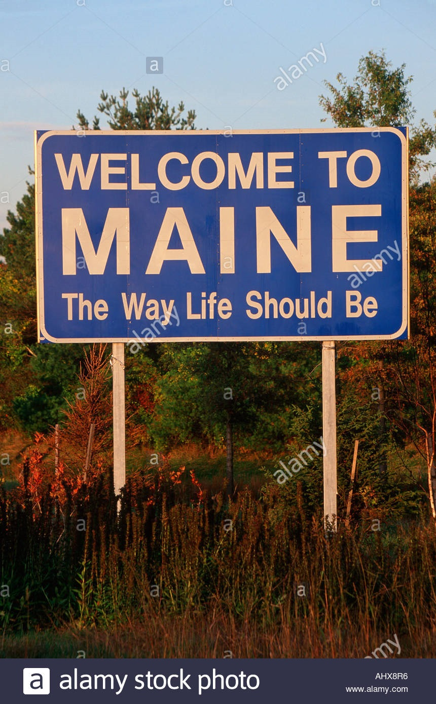 welcome-to-maine-sign-AHX8R6.jpg